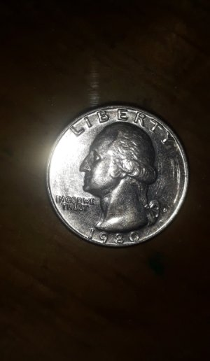 1980 D Quarter error and very Good Condition - Coin